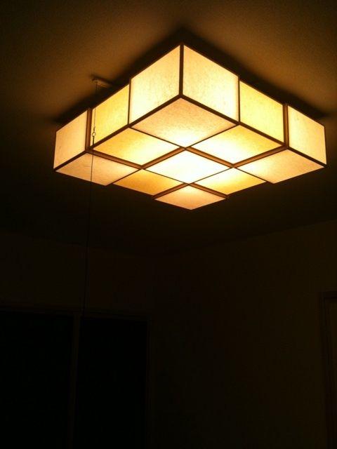 素敵な温泉旅館にありそうな照明。ムーディーな和室に良く合いそう。