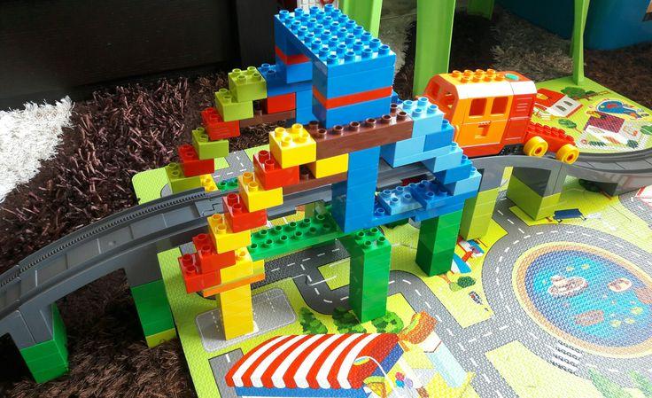 Duplo train bridge