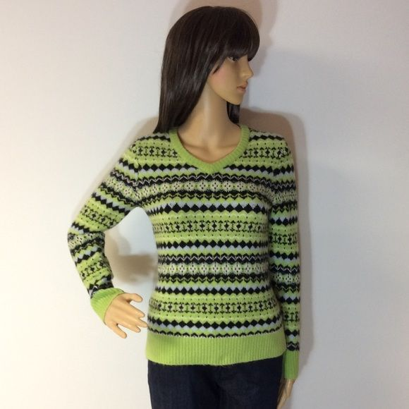 "STYLE & CO PETITE SWEATER This is a beautiful vibrant color and print sweater. Very stretchy in an acrylic blend. Gently used. Measurements Lying flat armpit to armpit 17"" length 22"" Style & Co Sweaters"