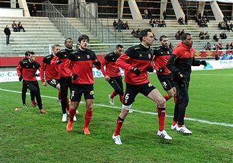 RC Lens v Stade Rennais FC - Ligue 1 Photos and Images | Getty Images