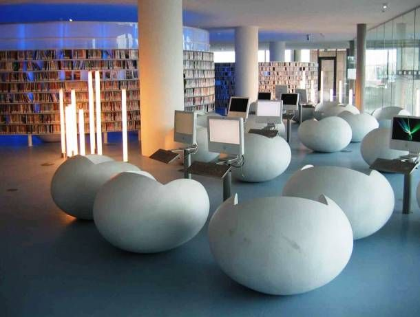 25 Stunning Libraries From Around The World