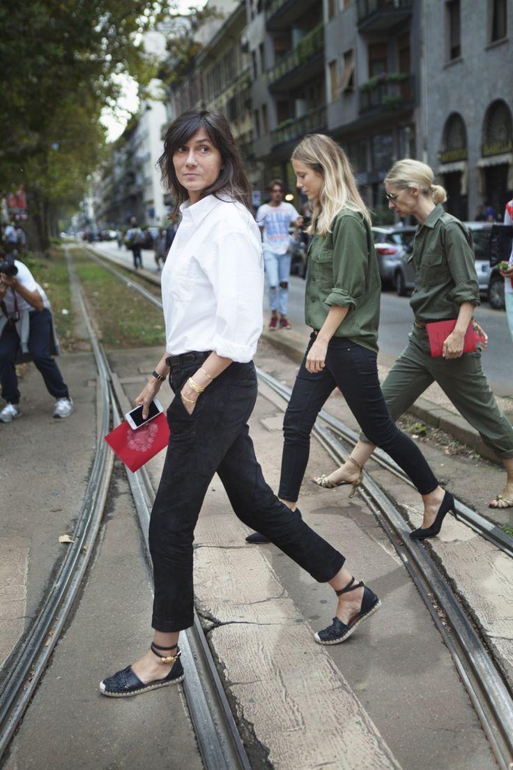 the Vogue Paris coterie. Milan. #EmmanuelleAlt #JenniferNeyt