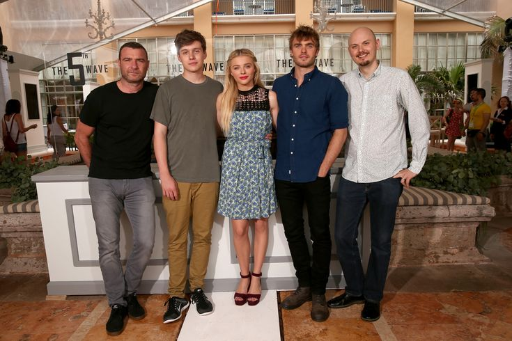 Liev Schreiber, Nick Robinson, Chloe Grace Moretz, Alex Roe, Alex Roe, and director J Blakeson attend 'The 5th Wave' photo call during Summer Of Sony Pictures Entertainment 2015 at The Ritz-Carlton Cancun on June 12, 2015 in Cancun, Mexico. #SummerOfSonyPictures #5thWaveMovie