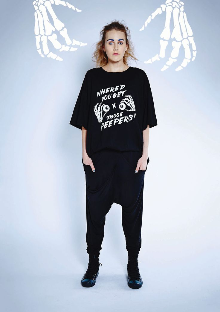 Maaike Clothing | New Zealand Socket Tee - Black with Peepers Print, Vision Pants