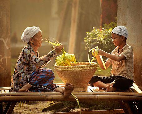 Lebaran, eid el fitr, idul fitri, ketupat By: Rarindra Prakarsa