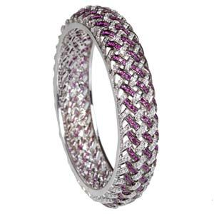 This is true that plenty of online stores are there that bring some impressive collection of silver bangles to you. This affluence sometimes makes you confused. You cannot understand which one you should choose or which one should be ignored.