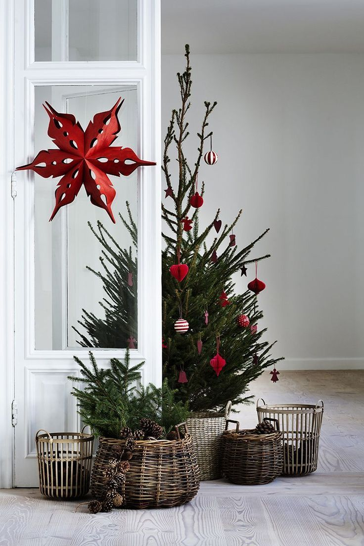 Cozy Christmas decor in wicker red and