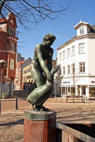 Gåsepigen - Geese Girl in Aalborg