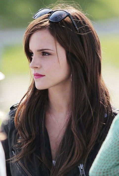 Emma Watson Long Hairstyle: Easy Hair for Holidays