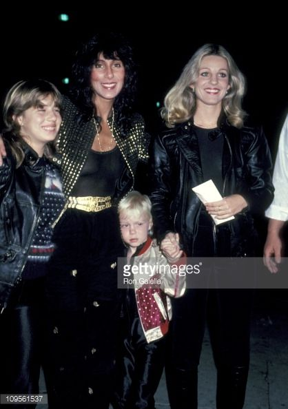 chasity-bono-cher-elijah-blue-allman-and-georganne-lapiere-picture-id109561537 (418×594)