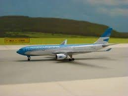 Ultima unidad! en stock en Chile Airbus A330-200 Aerolineas Argentinas a escala 1:500