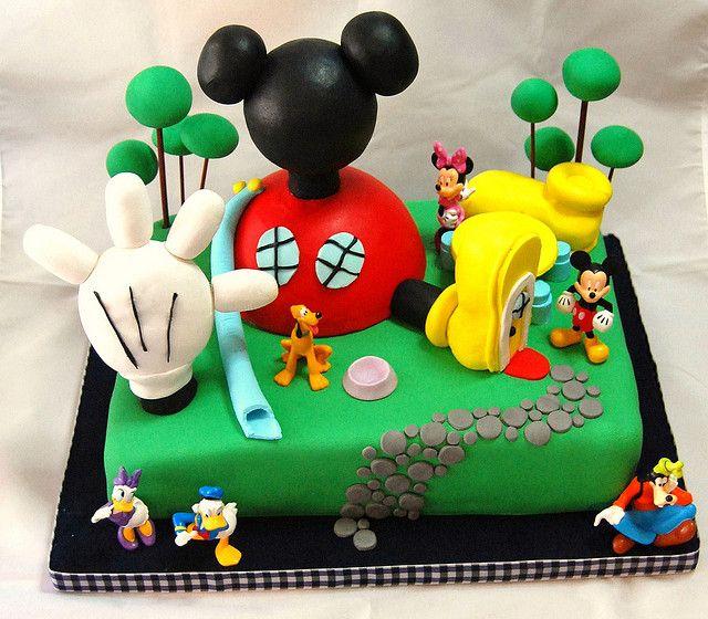 La casa de Mickey Mouse by Mariana Pugliese, via Flickr