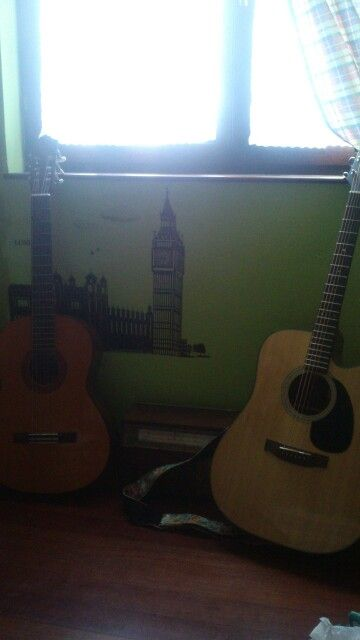 Mis guitarras: Española_ Yamaha C40 y Acústica_ Takamine G Series Modelo EG320C