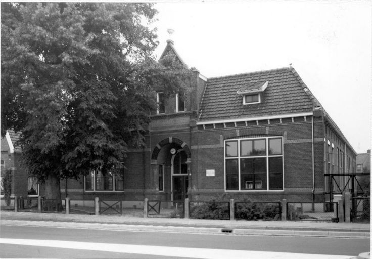 Hagedoornschool aan de Schoolstraat.