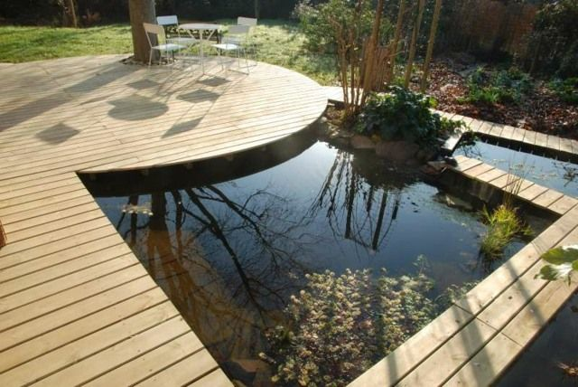 Id e am nagement terrasse aquatique avc parquet en bois jardin aquatique fontaine tang Idee amenagement terrasse