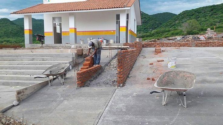 Un avance del 98% registra la construcción de la casa de salud en la Comunidad Modelo de El Chihuero, municipio de Huetamo, a cargo de la dependencia estatal, que además ...