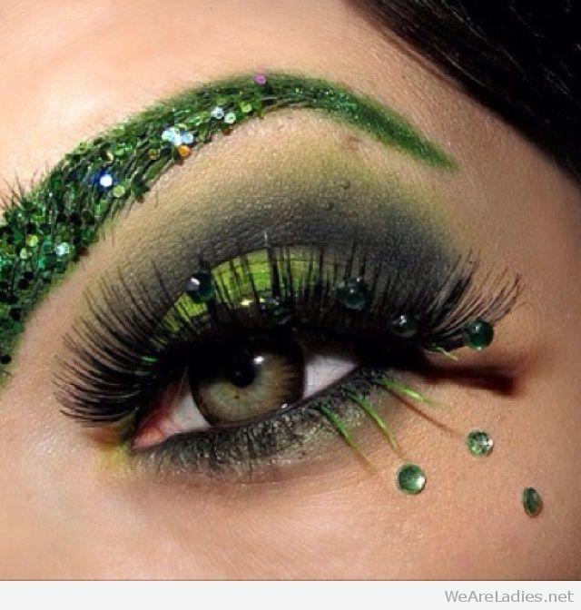Glitter Poison Ivy green makeup