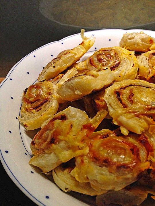 Blätterteig Pizza - Schnecken