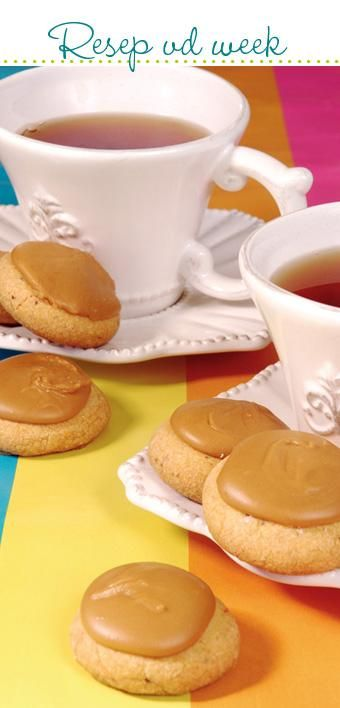 Custard and coffee cookies #recipe #WorldBakingDay | Vla-en-koffie-koekies