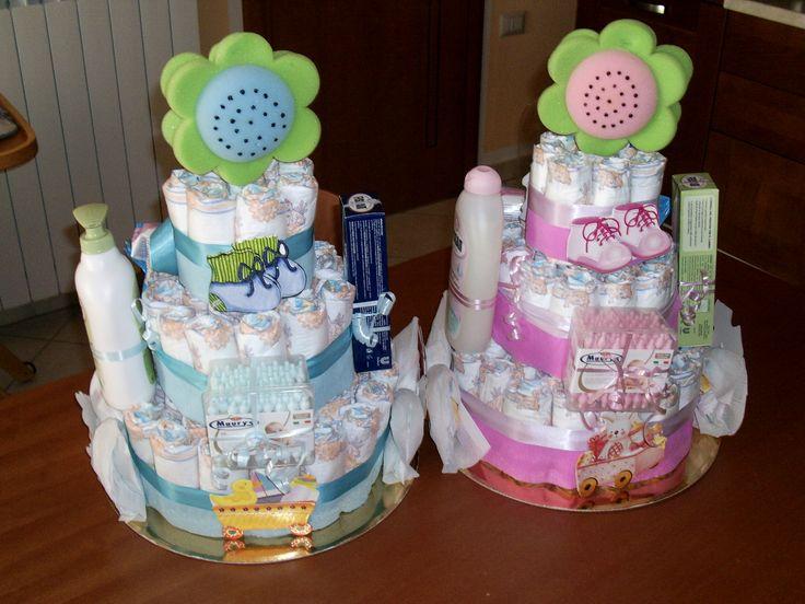 Diaper cake - Torta di pannolini con prodotti per la cura del neonato