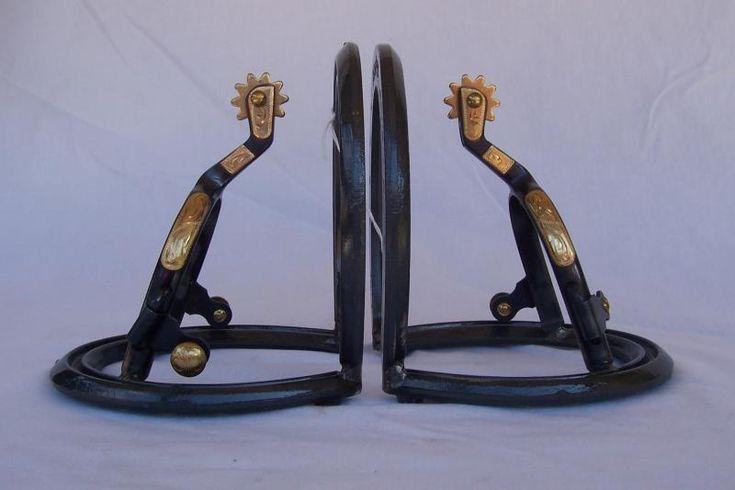 1000 images about horseshoe crafts on pinterest cowboys for Horseshoe kitchen decor