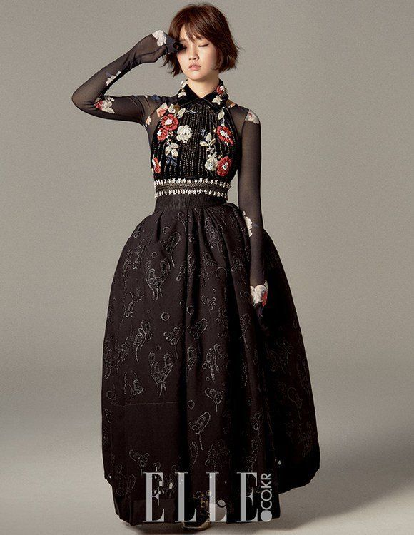 Park So Dam is lookin' gorgeous for 'Elle's September issue!She dressed in modernized hanboks and other dresses that borrowed from older fashion trend…