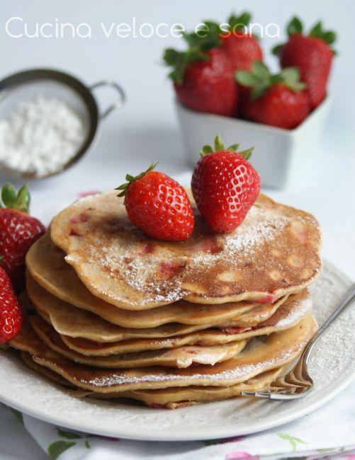 Pancakes alle fragole e cocco