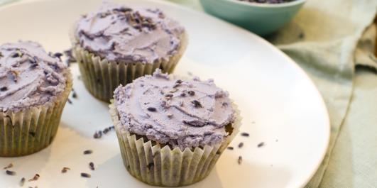 Cupcake receipe with lavender  - OPPSKRIFT PÅ CUPCAKES MED LAVENDEL: Tørket lavendel gir cupcakene en ny og uventet smak!