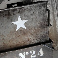 .pochoir étoile/métal