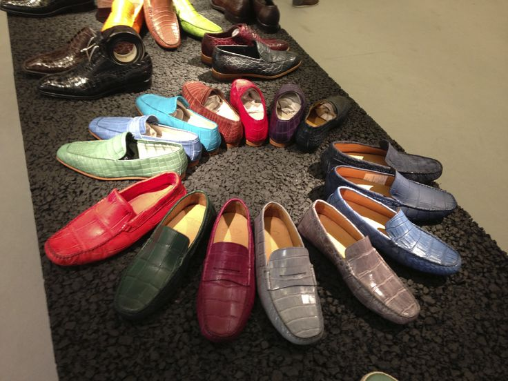 "Dami collection at #Pitti Uomo in #Florence. The spring/summer 2014 collection is divided into three different styles: Classical lace-up and buckle #shoes, #sneakers ""Vintage"" and ""Trend"", #loafers and #sandals. La collezione Dami a #Pitti Uomo. La collezione primavera / estate 2014 è suddivisa in tre tipologie di prodotto: Classiche stringate e con fibbia, #Sneakers ""Vintage"" e ""Trend"", #Mocassini e #Sandali. #crocodileshoes #menshoes ‎靴‬"