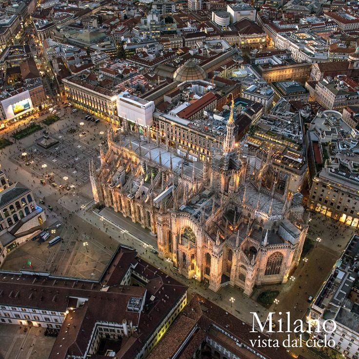 """Comunicato Stampa: """"Milano vista dal cielo"""", il primo libro fotografico con scatti aerei e notturni di Milano"""