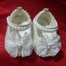Resultado de imagem para sapatinho de bebe com fita de cetim