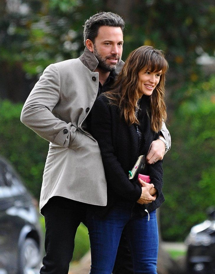 Pin for Later: 30 Celebrity Moments That Totally Made You Smile When Ben Affleck and Jennifer Garner Opted For a Little PDA