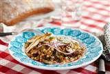Matvete sallad med halloumi // Ingredienser 4 portioner matvete 1 grönsaksbuljongtärning 2 pkt halloumi el.fetaost  1 chili 1 rödlök 100 g champinjoner 1 citron 4 vitlöksklyftor 1 dl bladpersilja (hackad) 3,25 msk olivolja 1 msk smör
