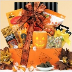14 best halloween gift baskets images on pinterest halloween halloween gift basket ideas for kids and adults negle Gallery