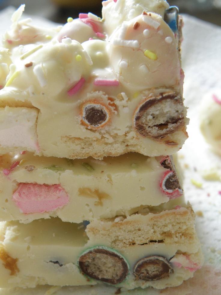 Make this for me...Binky's Fudge..Vanilla Fudge, Mini Colored Marshmallows, Pretzel M & Ms, Shortbread Cookies & Sprinkles: Fudge Vanilla Fudge, Health Desserts, Binki Fudge Vanilla, Shortbread Cookies, Desserts Healthy, Easter Food, Colors Marshmallows, Healthy Desserts, Minis Colors
