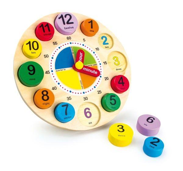 Un orologio in legno molto bello che aiuta i bambini ad imparare a leggere l'ora e favorisce l'apprendimento di parole in lingua inglese (LE1486). Compra giocattoli in legno.