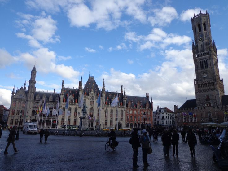 Centre! http://mylandingrunway.com/2014/09/08/lets-go-on-a-road-trip-the-fairytale-cities-brugge-ghent/ #travel #brugge #belgium