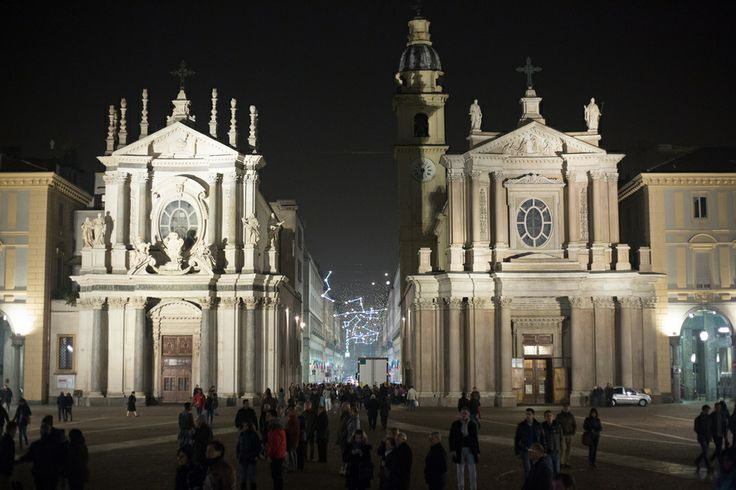 Turin (Italy )   Night at San Carlo Square by Giovanni Gambacciani on 500px