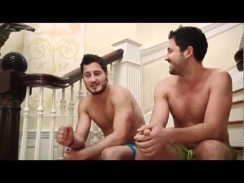 ▶ Maksim Chmerkovskiy Familly BBQ - YouTube