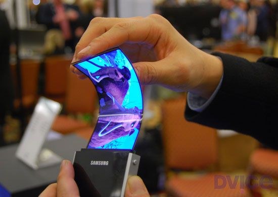Samsung plans to sell gadgets with real flexible screens in 2012!  Yeah buddy :D