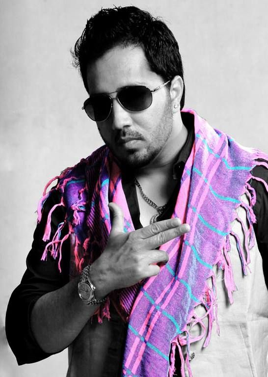 No party or celebration is complete without Mika Singh's super hit tracks!  Set yourself for a great Saturday night with Mika's party hits! http://bit.ly/MikaHits