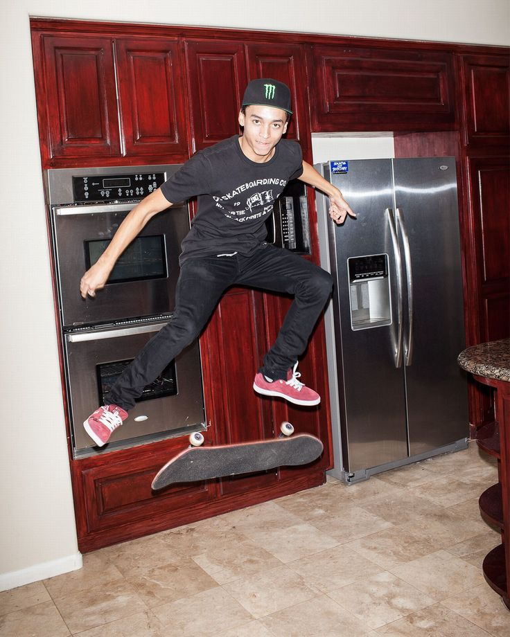 Now that he's his own man, street skater Nyjah Huston doesn't want to put his past behind him. He just wants his father, who made him and nearly broke him, to move forward.