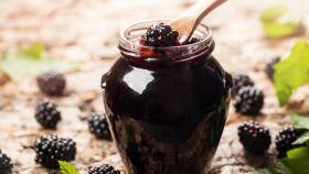 Černice zavarené v cukre
