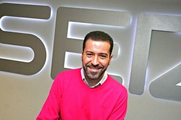 """""""Si cortas y pegas no eres periodista, eres una fotocopiadora"""" Entrevista a Carlos Cala Barroso"""
