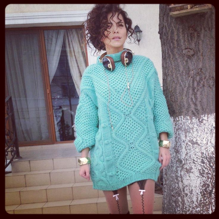 Inna,Romanian singer.love her style in dressing...her music and her ambition!