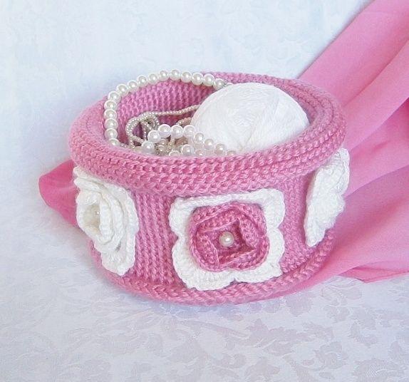 Basket tunisian crochet. Heklet  rosa kurv i tunisisk hekling hakking.