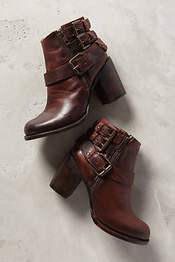 Anthropologie's boot collection is everything: http://rstyle.me/n/tnbca4ni6 #fallboots