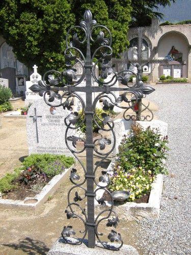 Grabkreuz Petrus in Schmiedeeisen