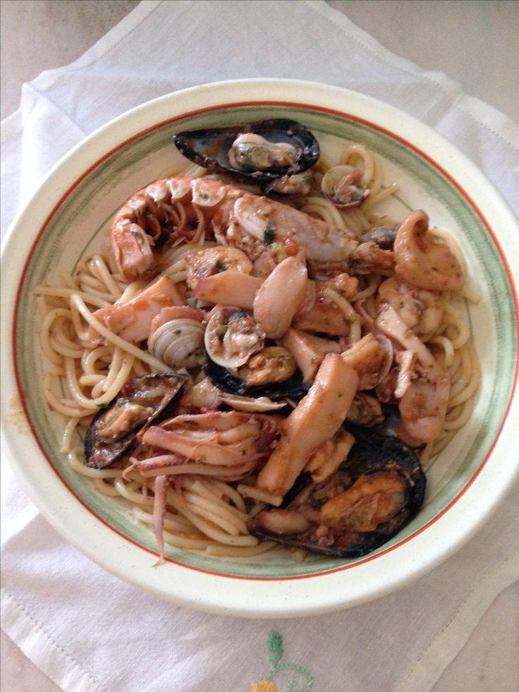Spaghetti al sugo di pesci(Crostacei,molluschi e frutti di mare)